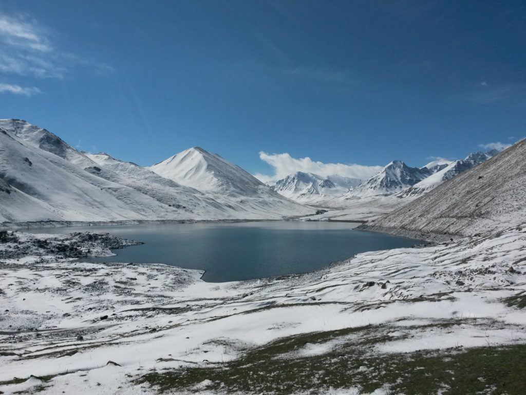 Kol-Ukok Lake (elevation 3000 m)